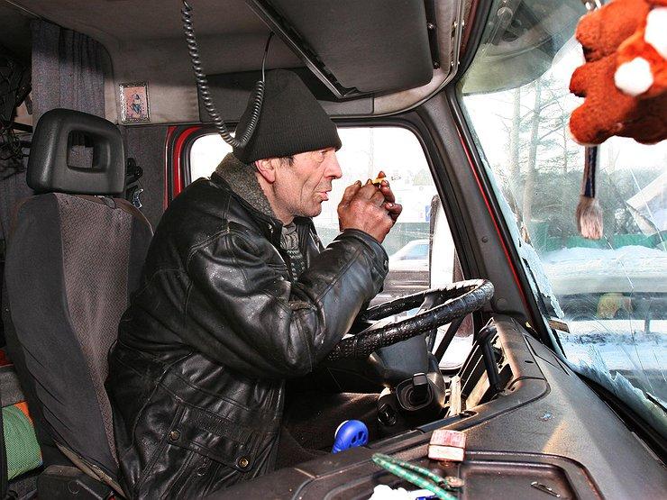 Сколько зарабатывает российский дальнобойщик?