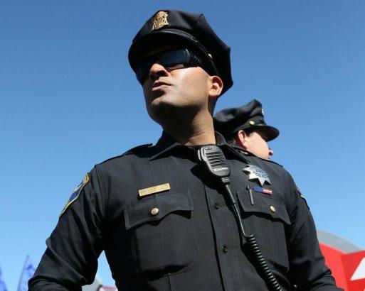 По фильмам и сериалам по привыкли видеть американских полицейских вот такими