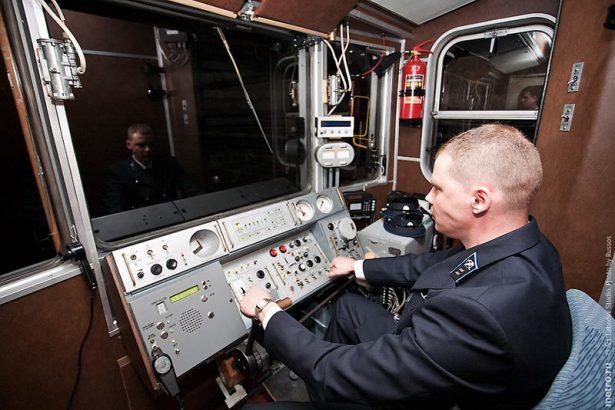 Машинист метро – ответственная и высокооплачиваемая профессия.